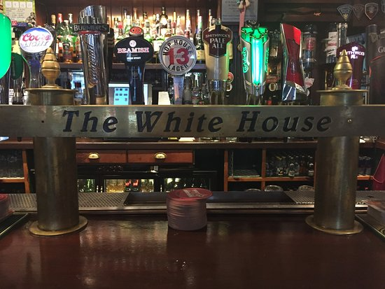 ‪The White House Pub‬