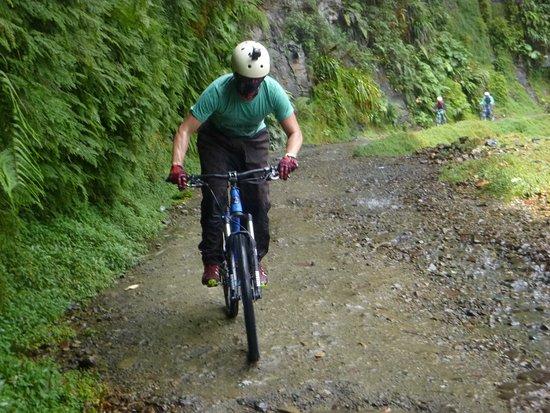 Gravity Assisted Mountain Biking : photo2.jpg