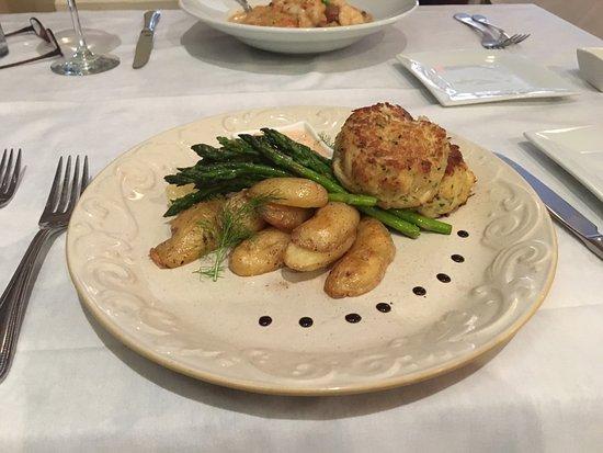 Onancock, VA: Scrumptious crabcakes