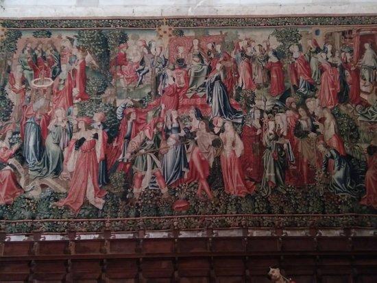 Catedral de San Antolin : Uno de los tapices flamencos de la Catedral