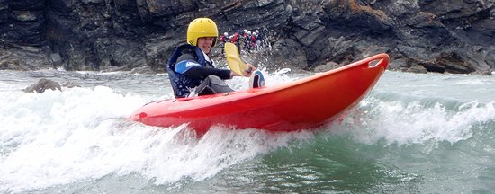 Menai Bridge, UK: Kayaking at Porth Dafarch