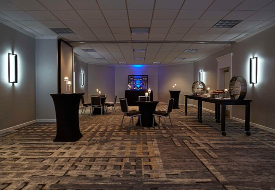 Bethesda, MD: Maryland Suites - Cocktail Reception