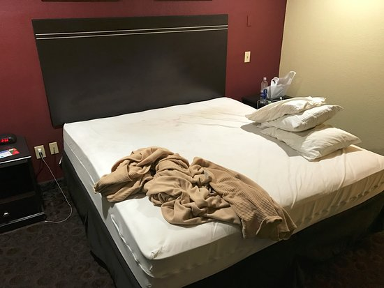 Port Allen, LA: How my bed was left by housekeeping
