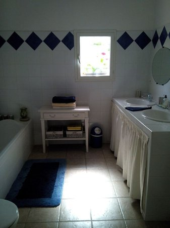 Regusse, Frankrike: salle de bains