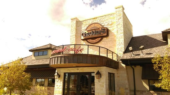 Cheddar's: Front