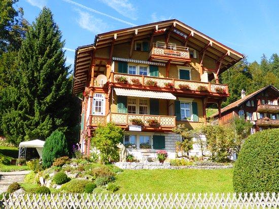 Beatenberg, Suisse : schönes Berner Oberländerhaus
