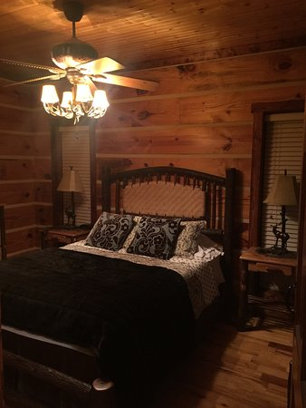 "Mentone Cabins: We stayed in ""Deer Run"" and we absolutely loved it!"