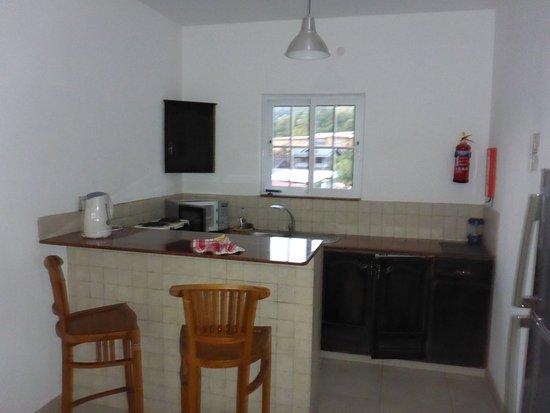Küche / Bar (Mit Kühlschrank, Tiefkühlschrank, Micro, Herd