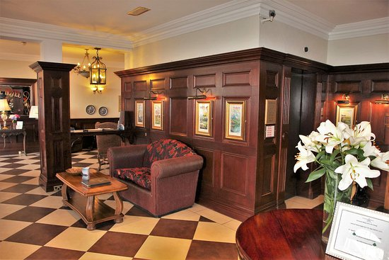 The Central Hotel - Donegal: Aufenthaltsraum