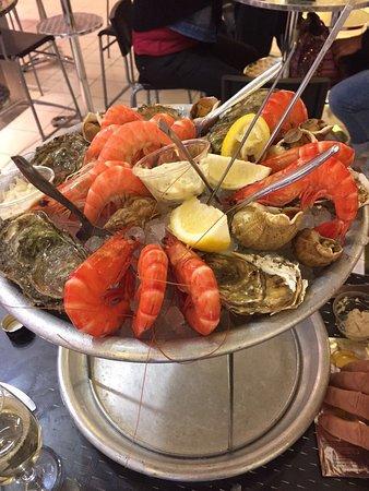 Pyrénées Marée : Excellent seafood and friendly staff.