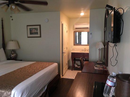 Olde Town Inn : room 307