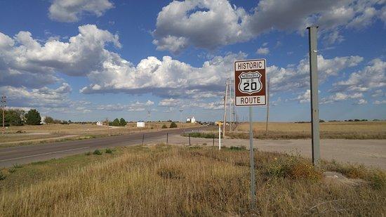 Gordon, Nebraska: Entering Gordon eastbound on Historic US Route 20. 