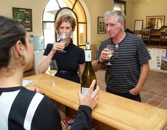 Winery Plus Tours : WHITE Chateauneuf du Pape - who knew?
