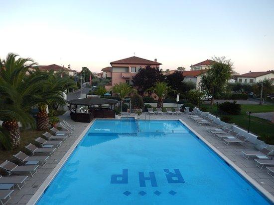 River Park Hotel : piscine vue de la chambre