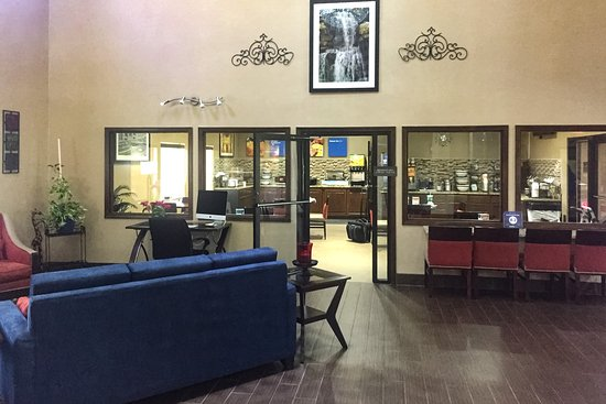 Grain Valley, MO: Lobby