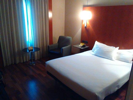 Hotel Exe Cuenca: Habitación