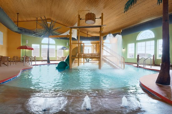 Country Inn & Suites By Carlson, Appleton North: Pool
