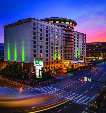 Holiday Inn Baltimore-Inner Harbor: Hotel Exterior