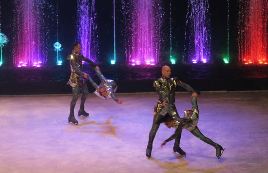 Aquamarine, The Dancing Fountains Circus