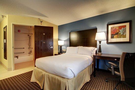 Oak Grove, KY: Single Bed Guest Room