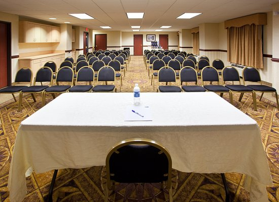 Holiday Inn Express Toledo-Oregon: Meeting Room- Theatre
