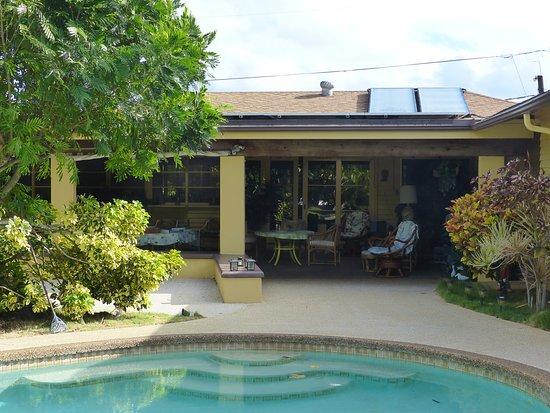 Papaya Paradise Bed and Breakfast: Blick auf den Aufenthaltsbereich