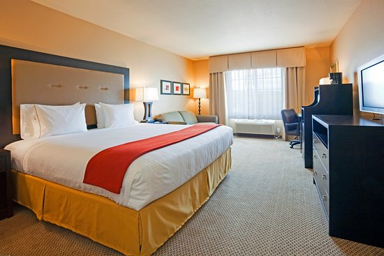 Holiday Inn Express Hotel & Suites Eau Claire North: King Bed Guest Room Holiday Inn Express Eau Claire North
