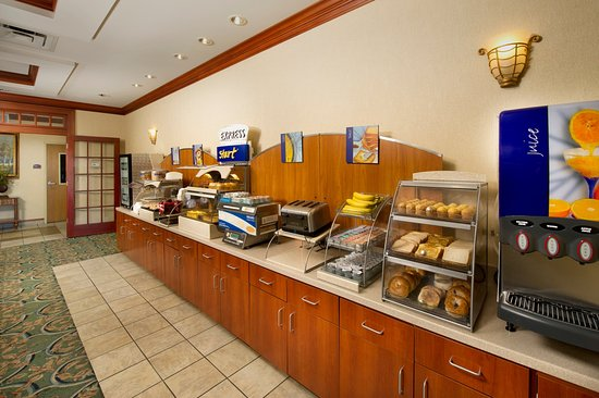 Lenoir City, TN: Stay Smart with our complimentary Hot Breakfast Buffet