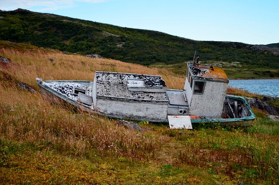 Red Bay, Kanada: Abandoned boat