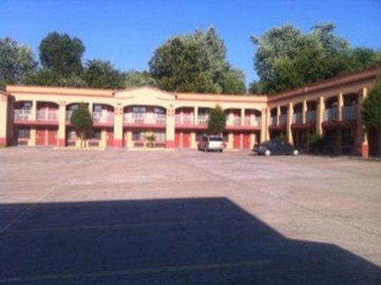 Photo of Tahlequah Motor Lodge