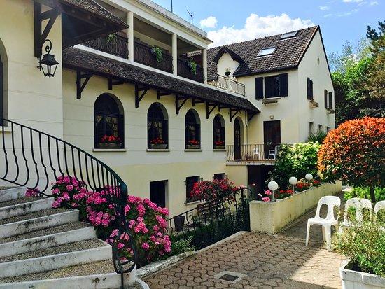 Photo of Hotel au Week-End Cergy