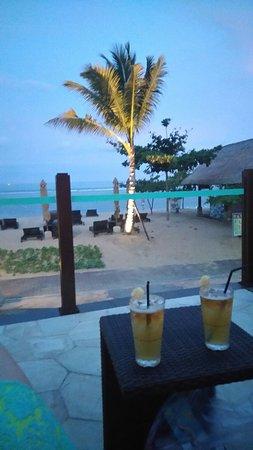 Отель с отличными бассейнами и пляжем в Тайджунг-Беноа