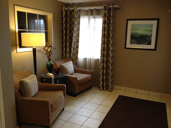 Candlewood Suites - Detroit/Ann Arbor: Hotel Lobby