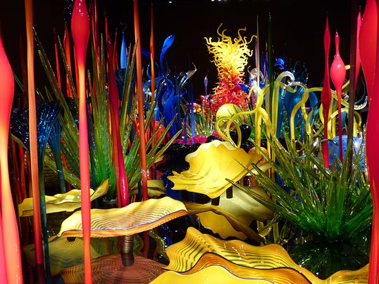 Farbenpracht an der Decke - Picture of Chihuly Garden and Glass ...