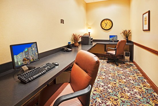 Oak Ridge, TN: Business Center