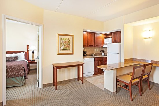Staybridge Suites Knoxville Oak Ridge: Suite