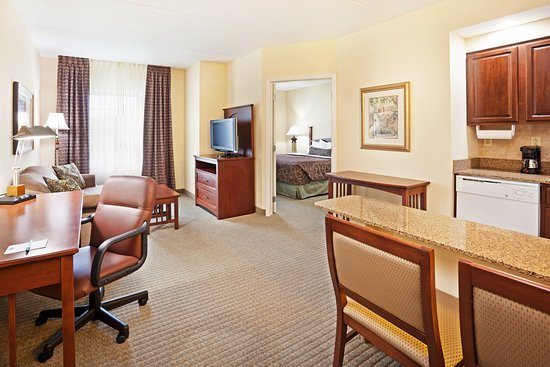 Staybridge Suites Knoxville Oak Ridge: Guest Room