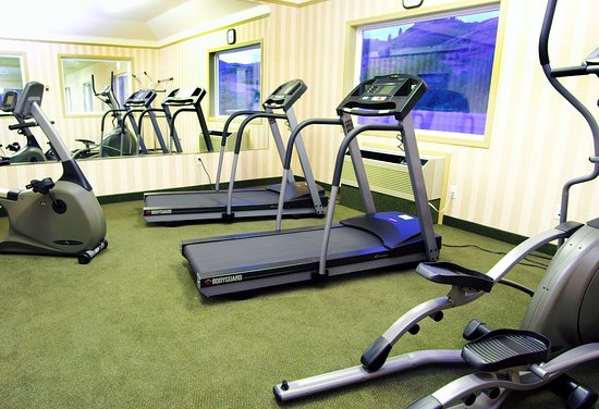 Vernon, Canada: Maintain your workout schedule with our Fitness room