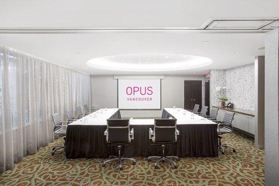 Opus Hotel: Opus II - U Shape