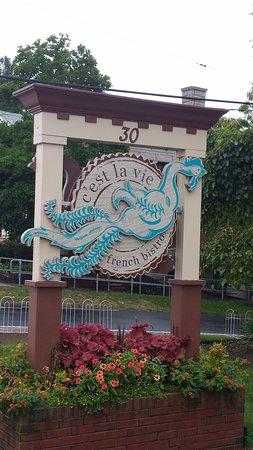 Northborough, MA: Outside sign