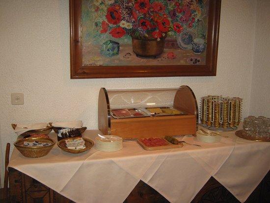 Hotel Languard: Bread station