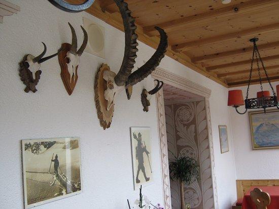 Hotel Languard: Breakfast room decor