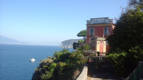 Sant'Agnello, Italia: Sorrento coastal view