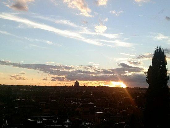 tramonto dal Pincio, terrazza su Roma - Foto di Villa Borghese, Roma ...