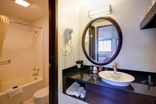 Heath, OH: Bathroom