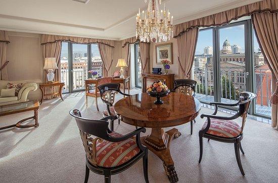 Regent Berlin: Gendarmen Suite With View