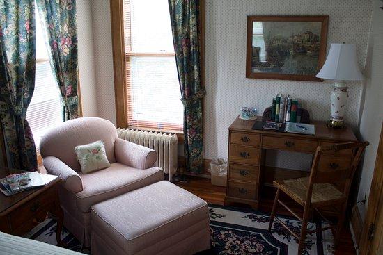 Alma, MI: Garden Room