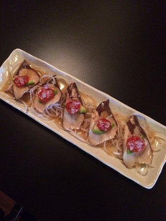 Port Alberni, Kanada: hamachi tataki sashimi