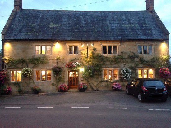 South Petherton, UK: Dusk on a summers evening