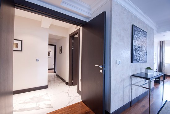 130 Queen's Gate: Pent­house Suite